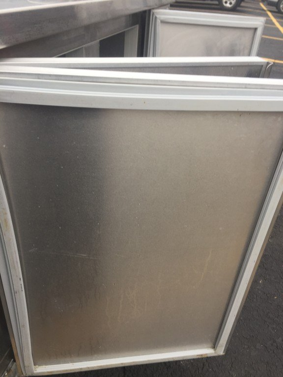 Diamond Stainless Steel Refrigerated Table With Hand Sink