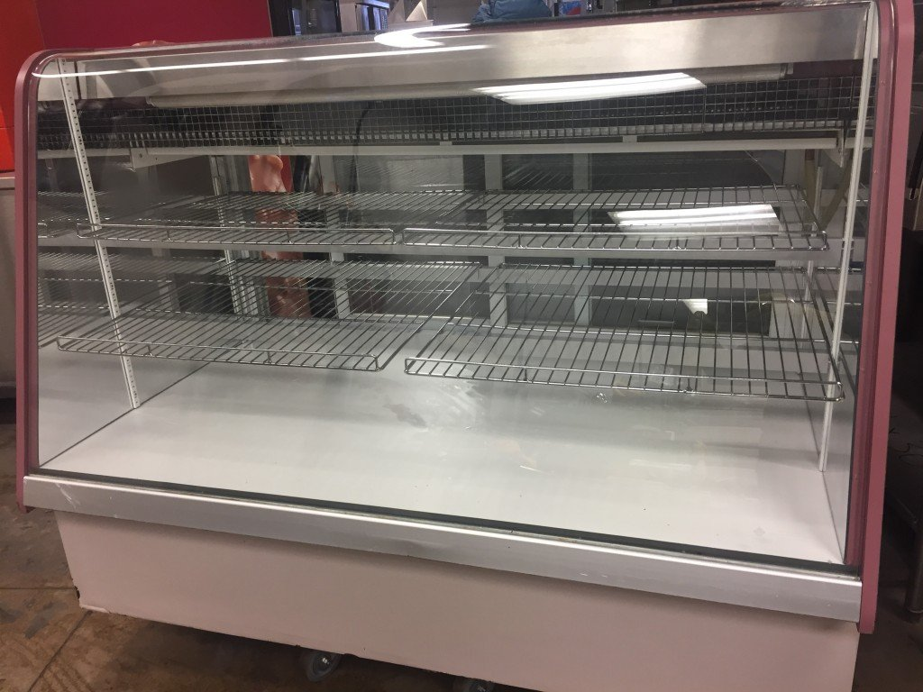 Qbd Refrigerated Glass Front Merchandiser 5ft X34 Inch