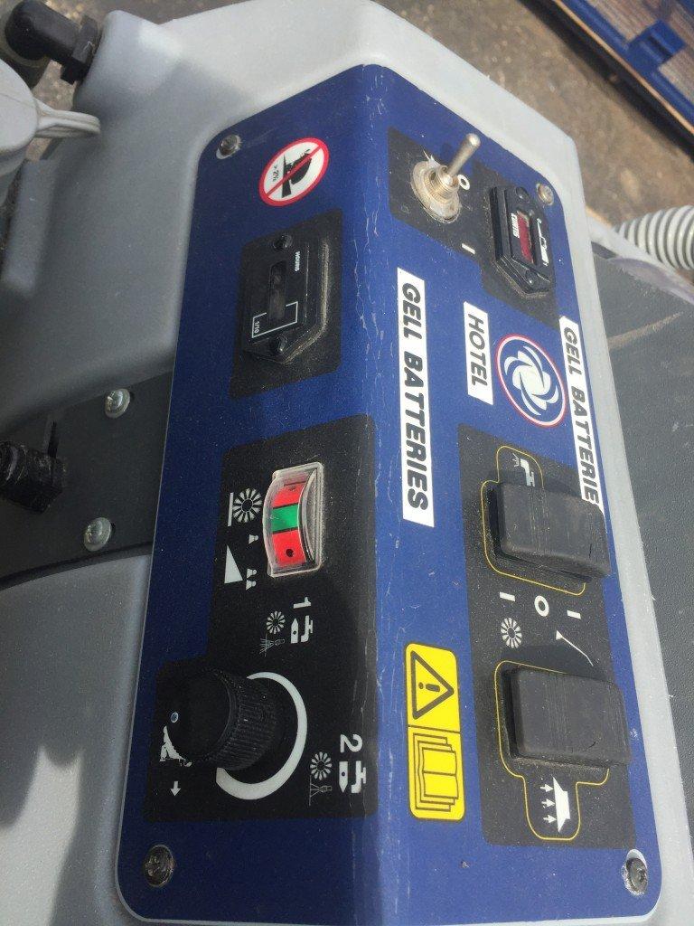 Nilfisk Advance Aquamax Battery Powered Automatic